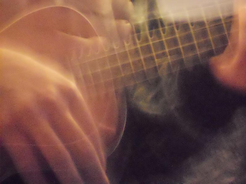 how to hang a ukulele